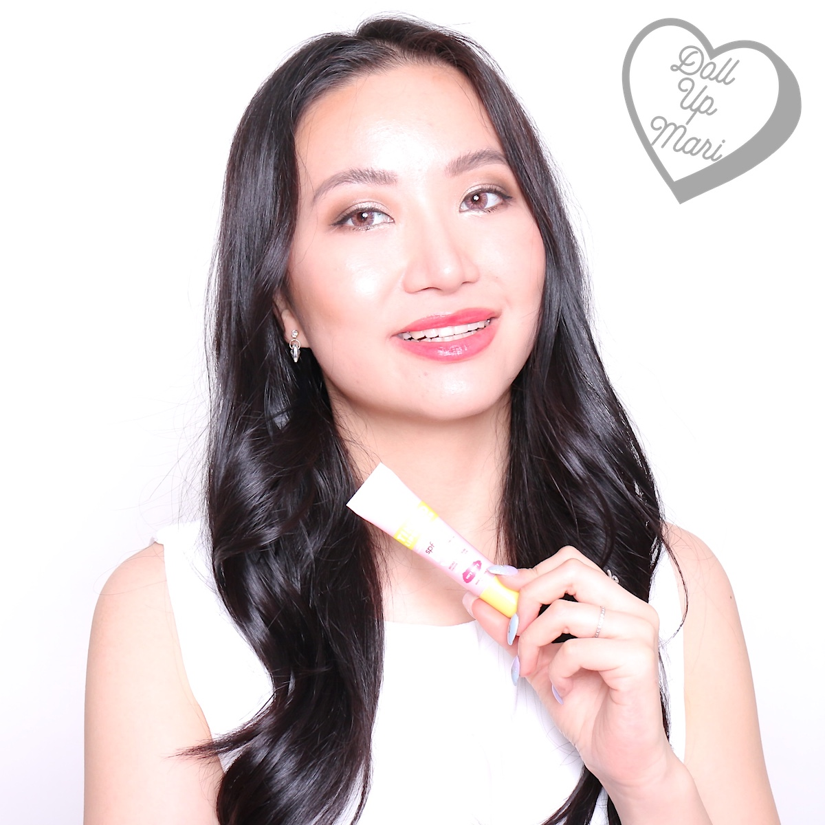 dollupmari wearing Very Berry shade of Fresh Sunglow by Mae Layug and Rei Germar Tinted Lipscreen SPF50PA+++