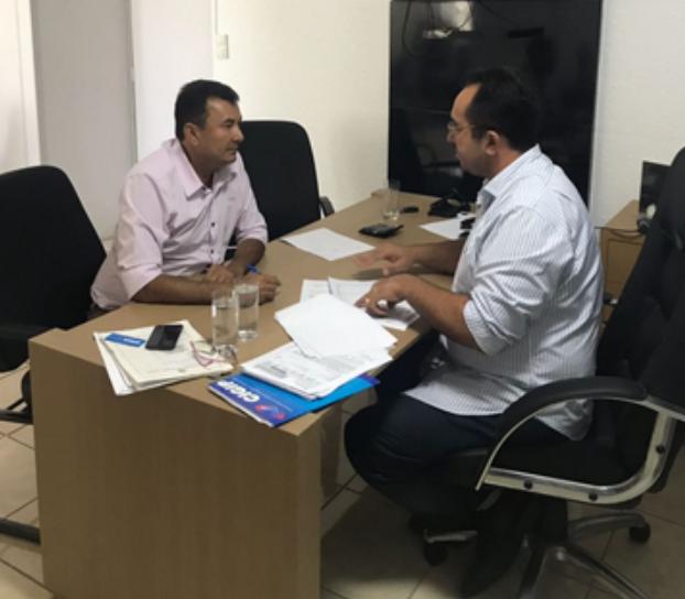 Vereador Kel vai a Maceió para cobrar explicações sobre a taxa de iluminação pública cobrada em Delmiro  Gouveia