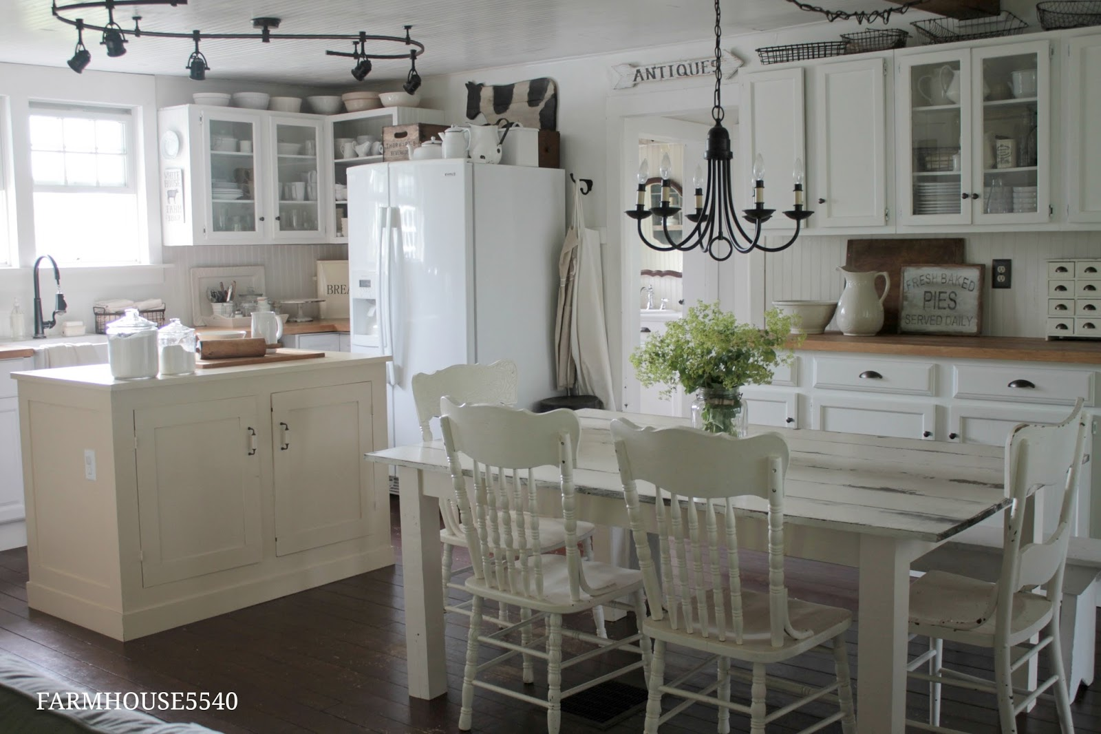idea white distressed kitchen table distressed white kitchen table. Interior Design Ideas. Home Design Ideas