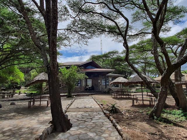 Naabi Gate