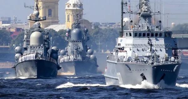 Προειδοποιούν ΗΠΑ οι Ρώσοι: «Μην τολμήσετε να μεταφέρετε όπλα και πλοία κοντά στα σύνορα μας - Για το δικό σας καλό»