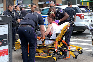 Two women slashed outside New York Public Library in Midtown
