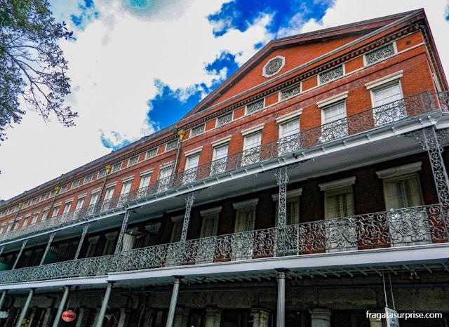 Detalhe da fachada dos Pontalba Buildings, em Jacson Square, Nova Orleans