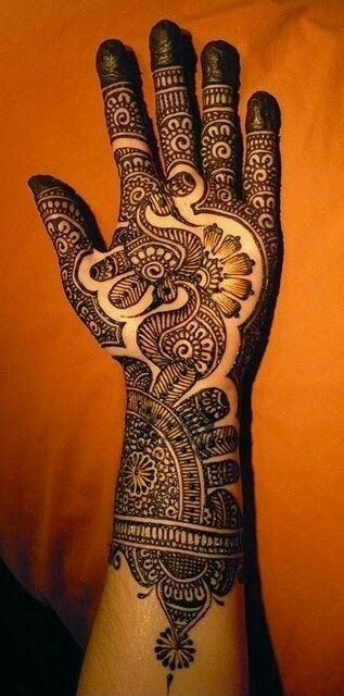 40 Gorgeous Henna Ideas From Intricate To Elaborate: 40 Beautiful Peacock Mehndi Designs