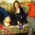 Unos estudiantes compran un sofá de segunda mano. Una noche, notan un bulto en uno de los cojines…