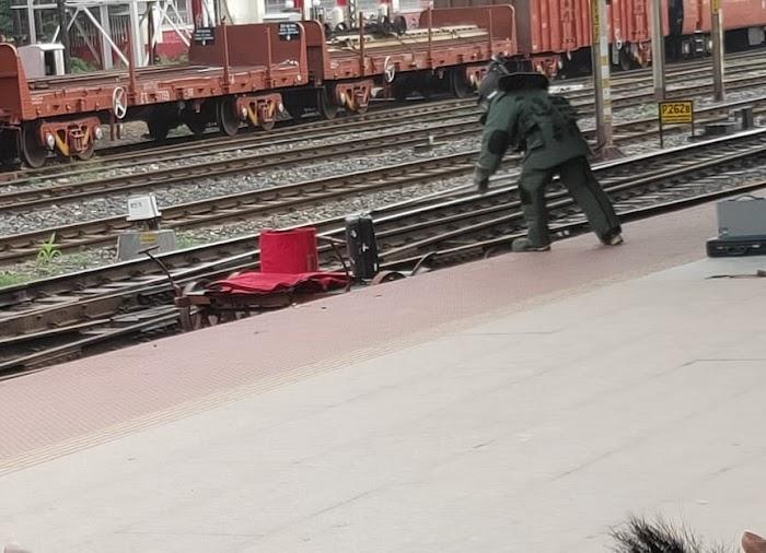 Bomb Squad Team In Kharagpur Railway Station