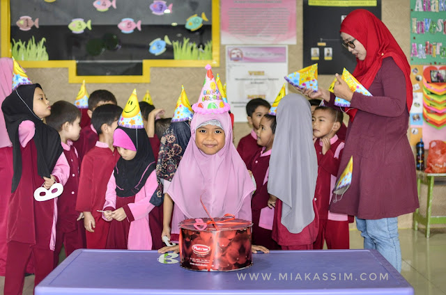 Birthday surprise for Damia!