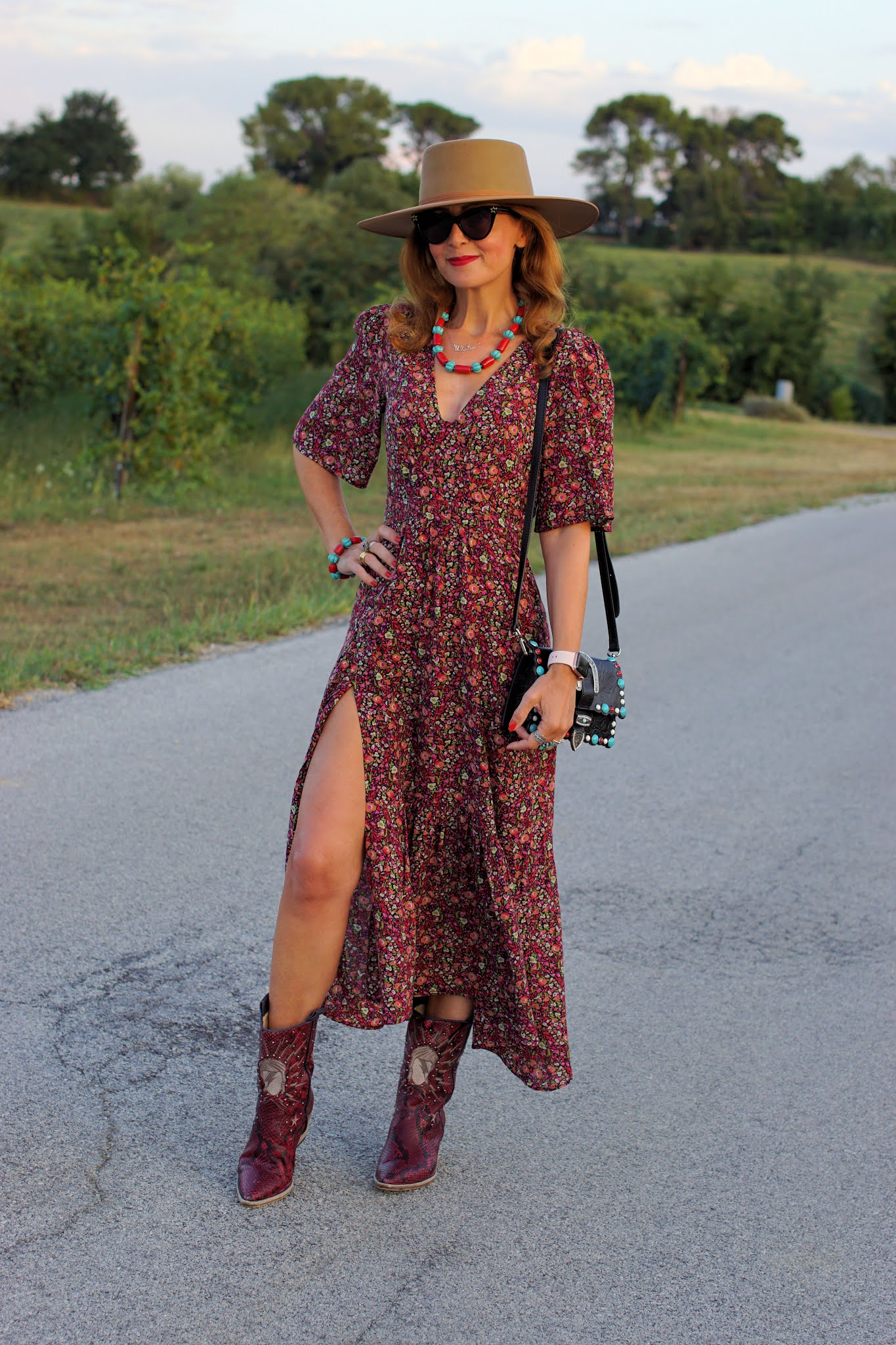 A transitional western style outfit