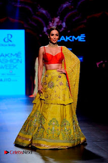 Bollywood Actress Malaika Arora Khan Walks on Ramp at LFW Summer 2017  0003.jpg