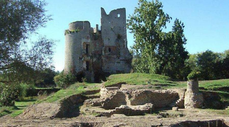 Ch'teau de Machecoul, France