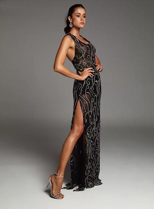 vestido de festa longo preto bordado com transparência