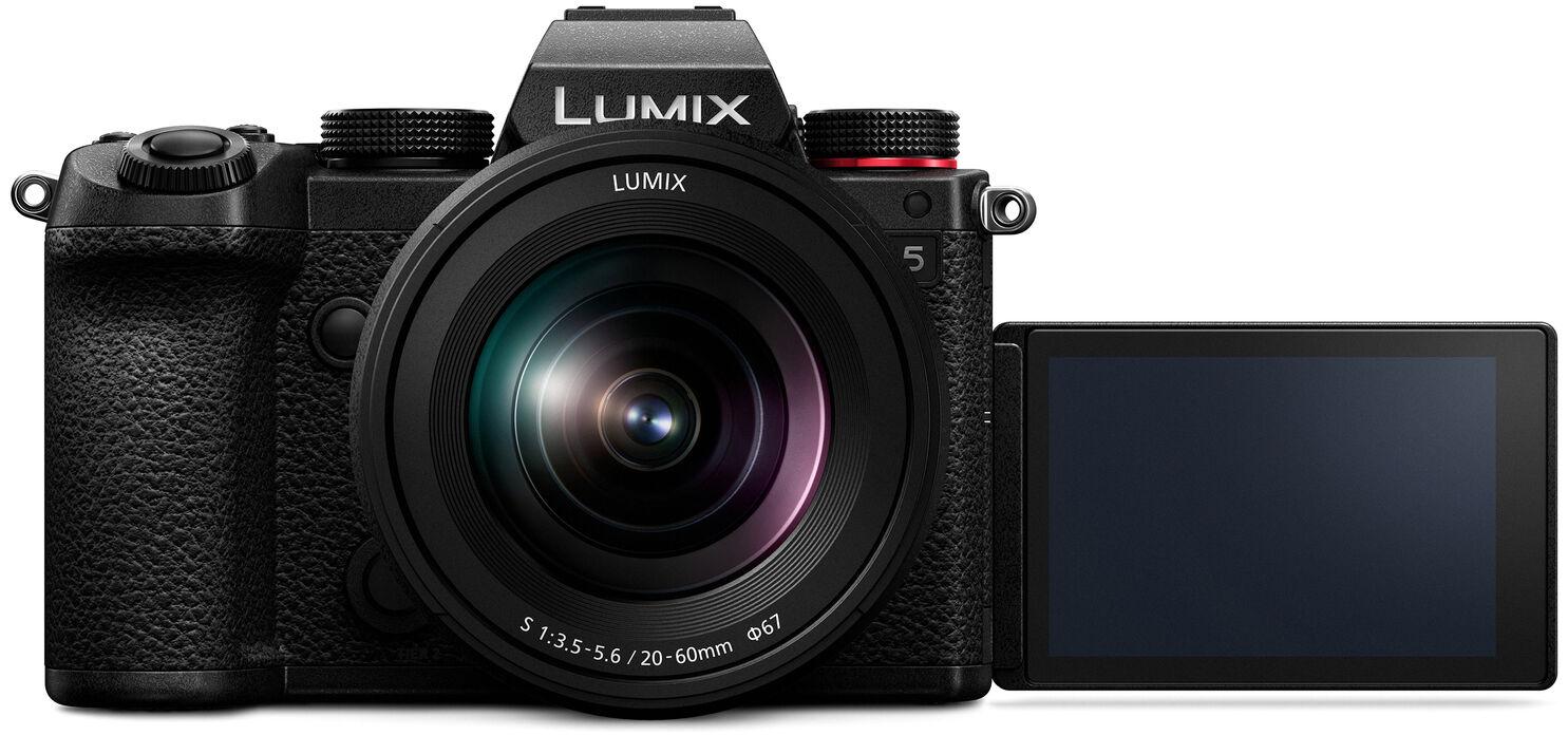 Panasonic Lumix S5, вид спереди