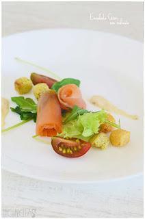 Ensalada césar con salmón en dos minutos -Receta de salsa césar casera