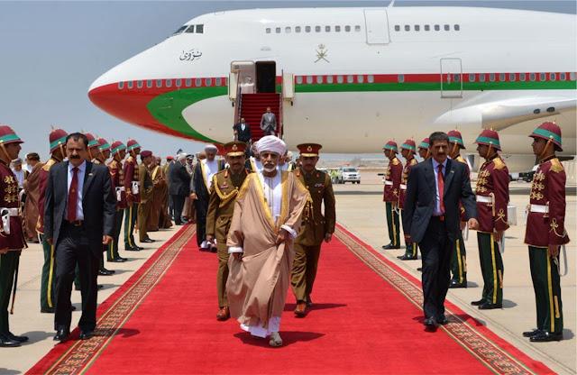 السلطان قابوس يصل عُمان