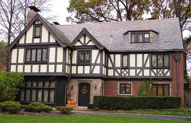 Not Being A True Tudor Home You Can Add The Character By Painting Exterior In Look Homes Typically Have White Or Beige Background With
