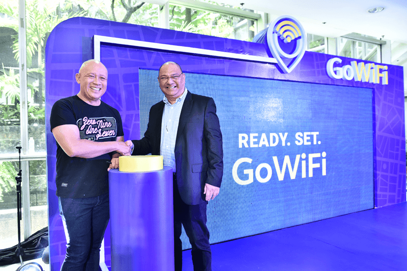 Araneta Center teams up with Globe to provide GoWiFi for mall-goers