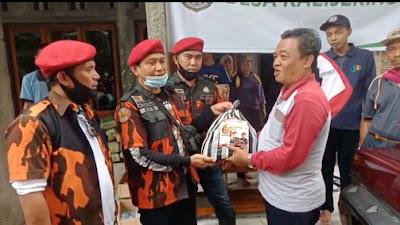 MPC Pemuda Pancasila Berikan Bantuan di Kalijering