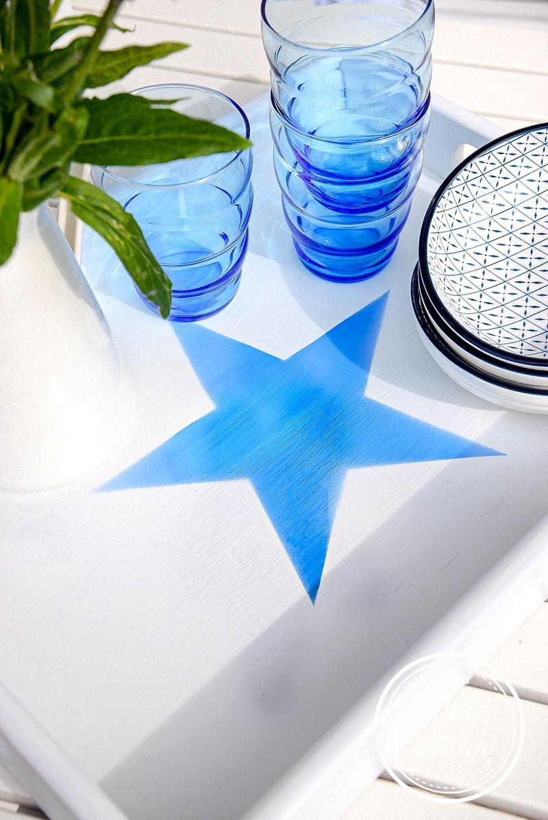 Blau-Weiße Sommerdeko - DIY-Idee