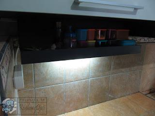 Lemari Dapur  Warna Hitam Putih Agar Dapur Lebih Rapi + Kitchen Set Semarang