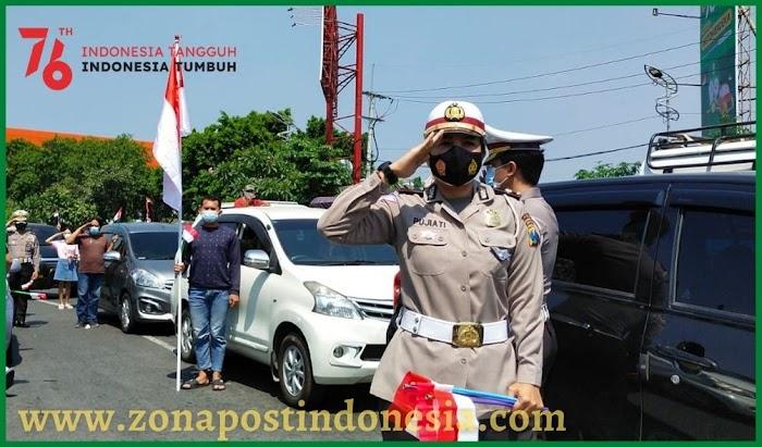 Pengendara diminta berhenti saat detik-detik Proklamasi dan Nyanyikan Lagu Indonesia Raya