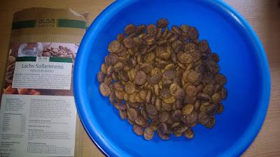 Trockfutter in runden kleinen Portionen