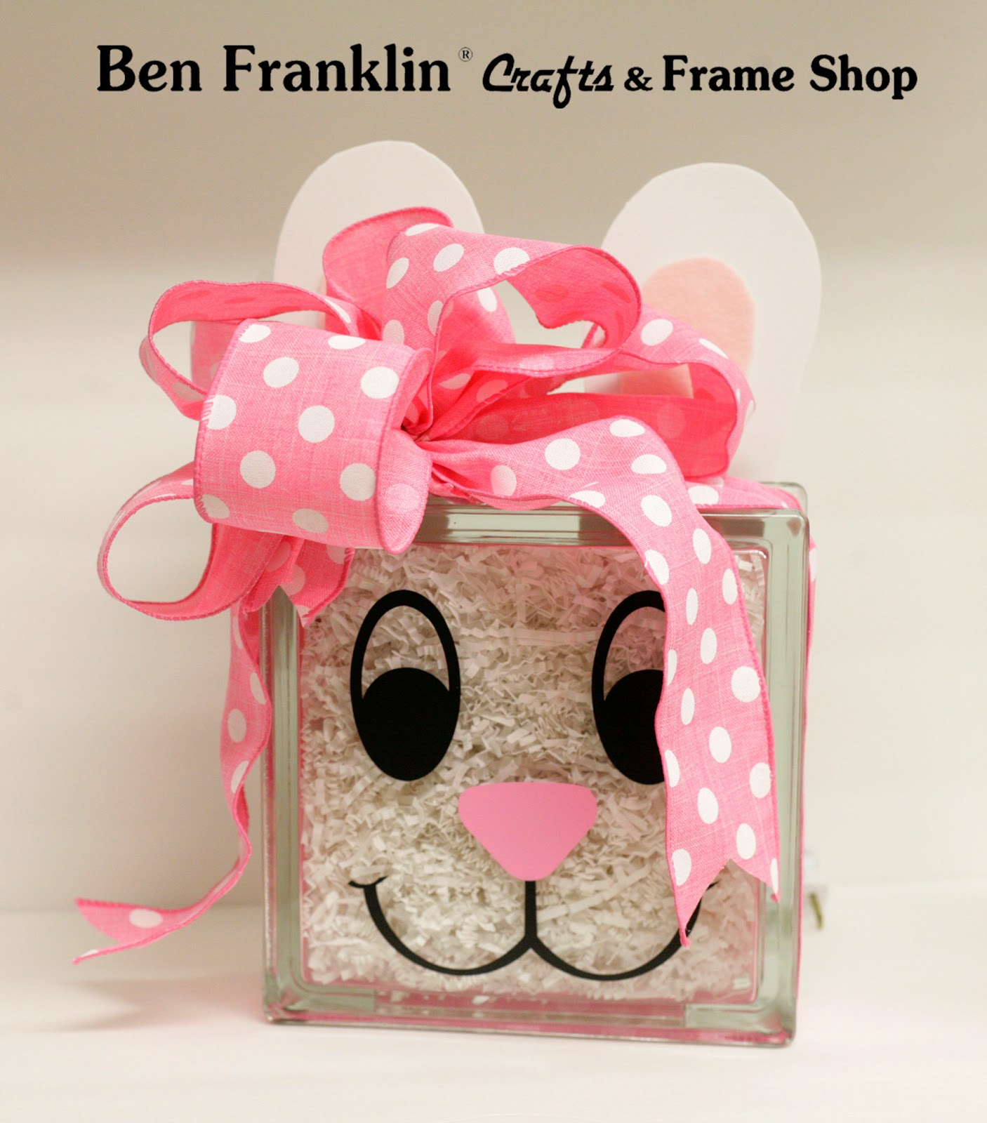 Ben franklin crafts and frame shop glass block bunny for Glass block crafts pictures