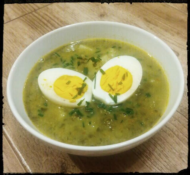 zupa szczawiowa z jajkiem zupa zs szczawiu ze sloika zupa z jajkiem zupa kwasna zupa ze smietana zupa zabielana