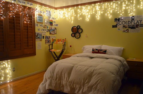 Lightshare Twinkling Holiday Light Ideas For The Cozy Bedroom