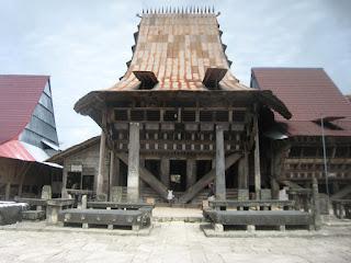 Desa Bawömataluo