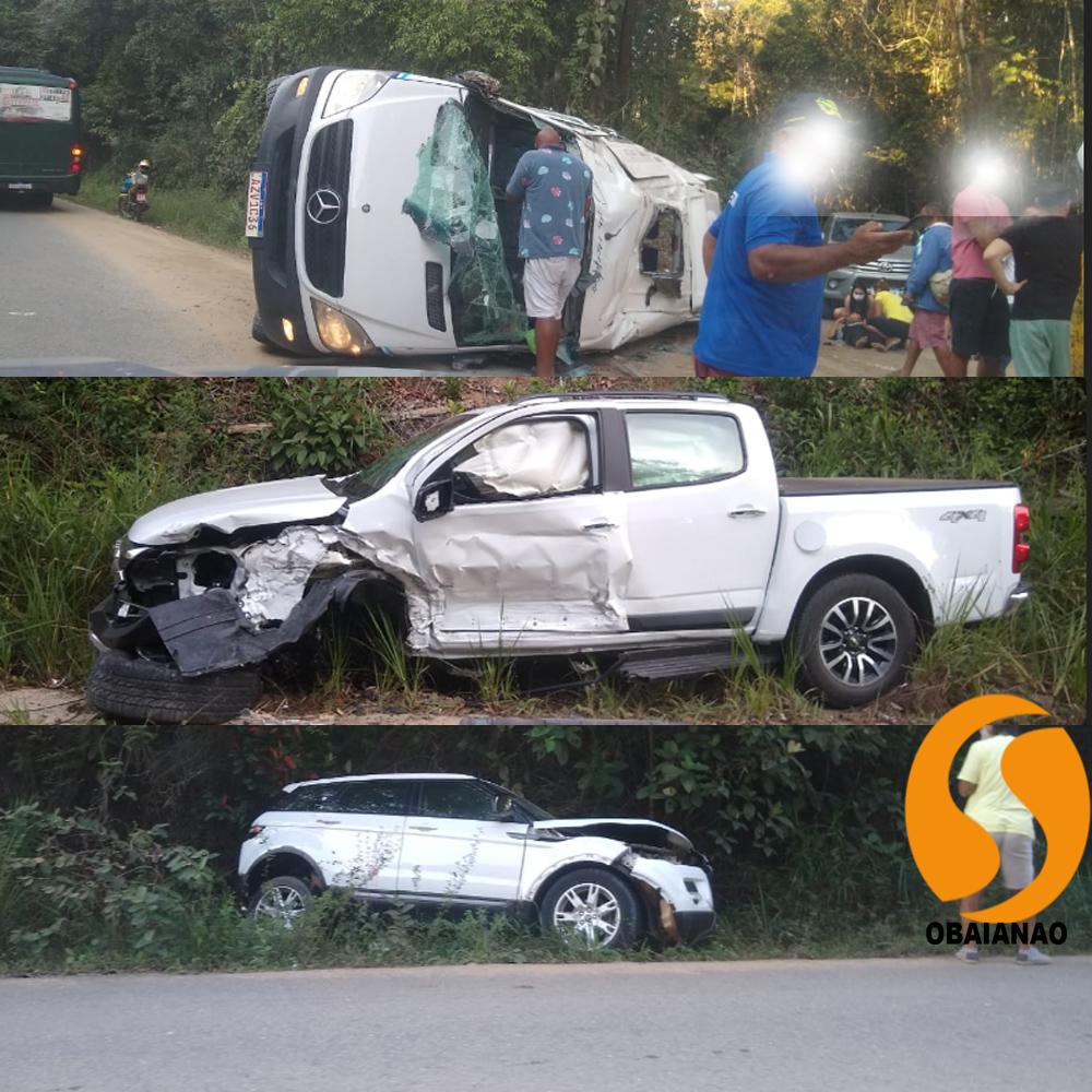 Grave acidente na estrada de Trancoso envolvendo caminhonetes e uma Van