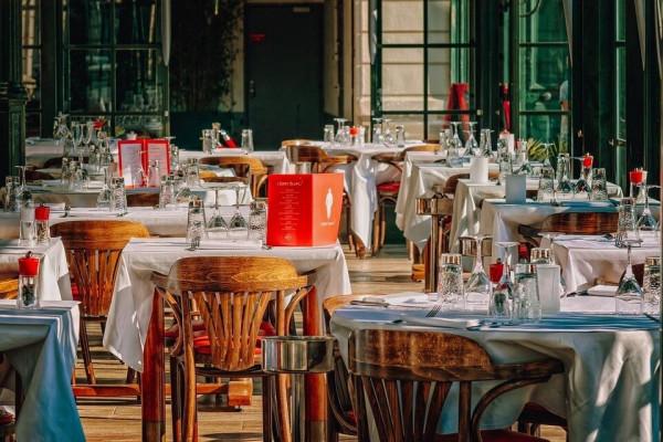 Francischini pede ampliação do funcionamento de bares e restaurantes até 23h no Paraná
