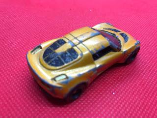 ロータス エキシージ S のおんぼろミニカーを斜め後ろから撮影