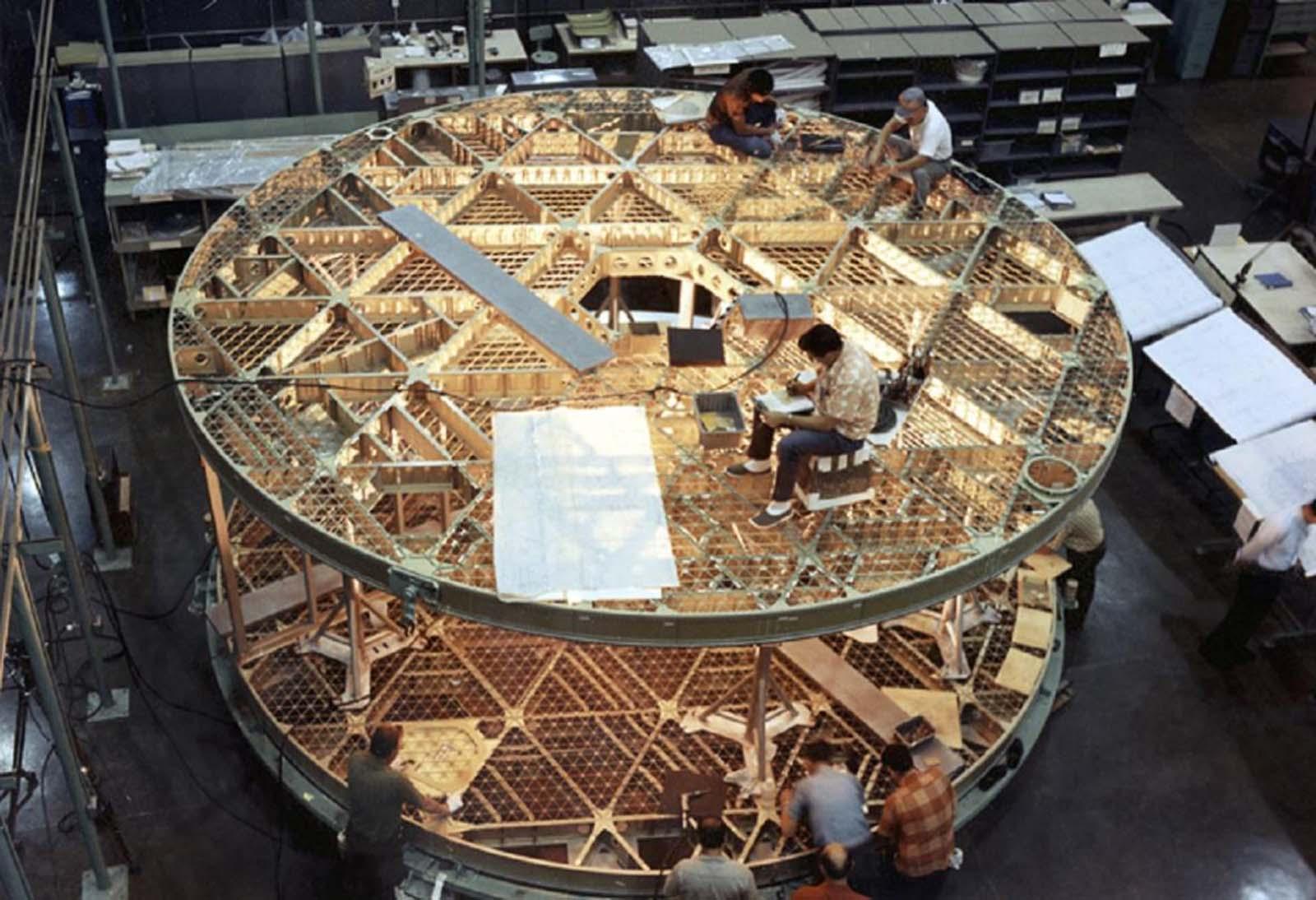 life skylab photos