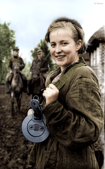 Soviet partisan Color photo World war II worldwartwo.filminspector.com