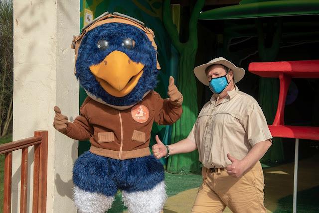 Piko con el explorador de Sendaviva