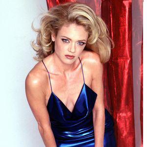 Lisa Robin Kelly American actress