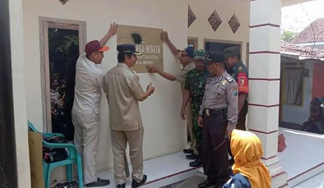 Rumah bagus penerima PKH ditandai 'Keluarga Miskin'