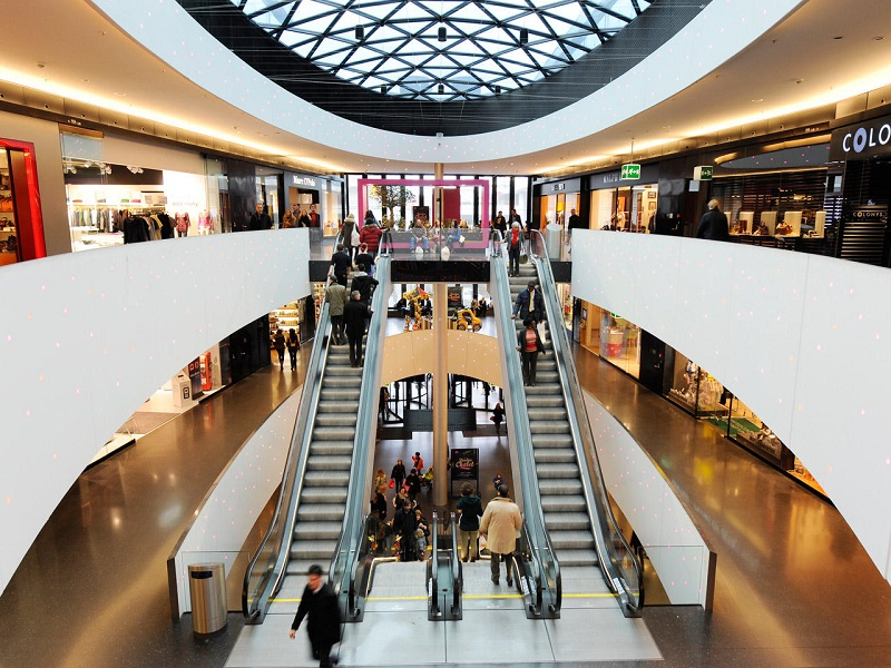 ee5947cfca2 Compras nos Shoppings de Zurique