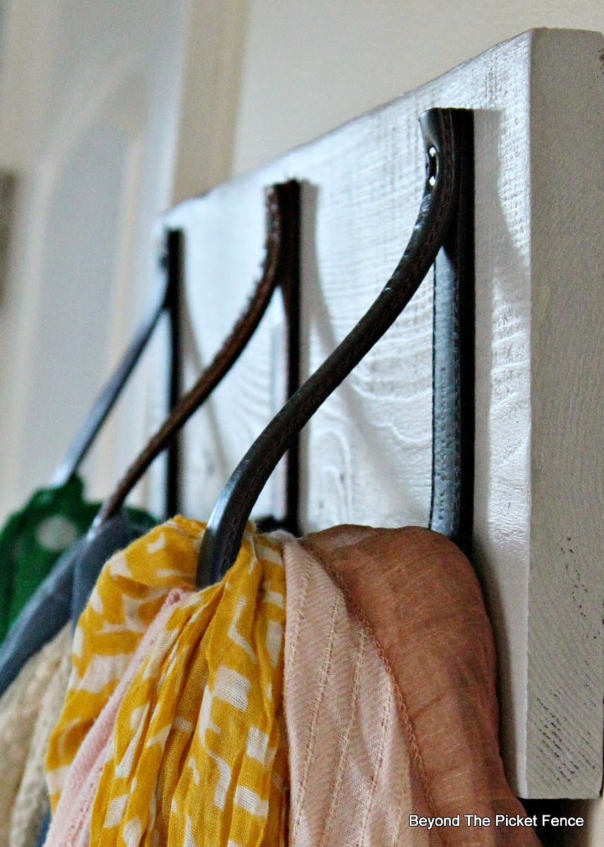 scarf, closet organization, Beyond The Picket Fence http://bec4-beyondthepicketfence.blogspot.com/2015/02/scarf-hanger-in-30-minutes-or-less.html