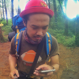 Mendaki Gunung dan Keterbatasannya