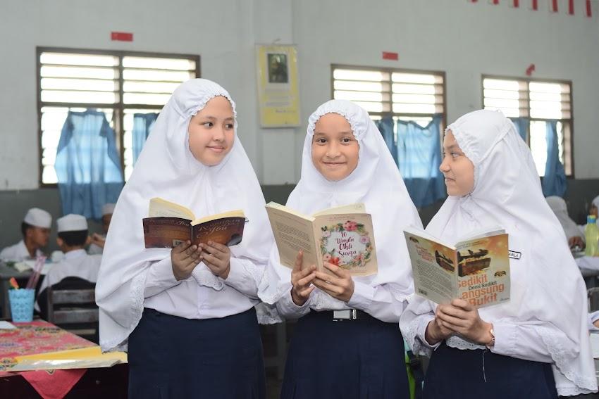 PENTINGNYA LITERASI BUAT ANAK  SMP SWASTA PERGURUAN ISLAM AN-NIZAM
