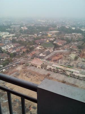 Pandangan Mata dari Lantai 25 poins square jakarta