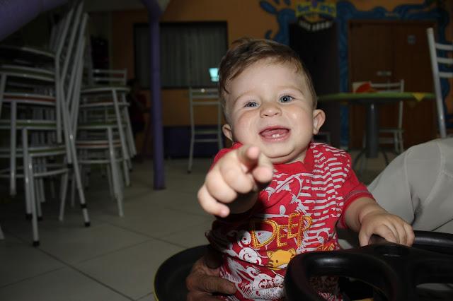ANIVERSÁRIO INFANTIL CRIANÇA FESTA BOLO KUNG FU PANDA PISCINA DE BOLINHAS OLHOS PAIS PAI MÃE BALÃO MÁGICO