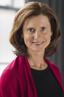 headshot of author Tina Egnoski