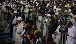 مجالس علمية: احتمال انتقال عدوى كورونا داخل المساجد أكثر من الأسواق والمقاهي