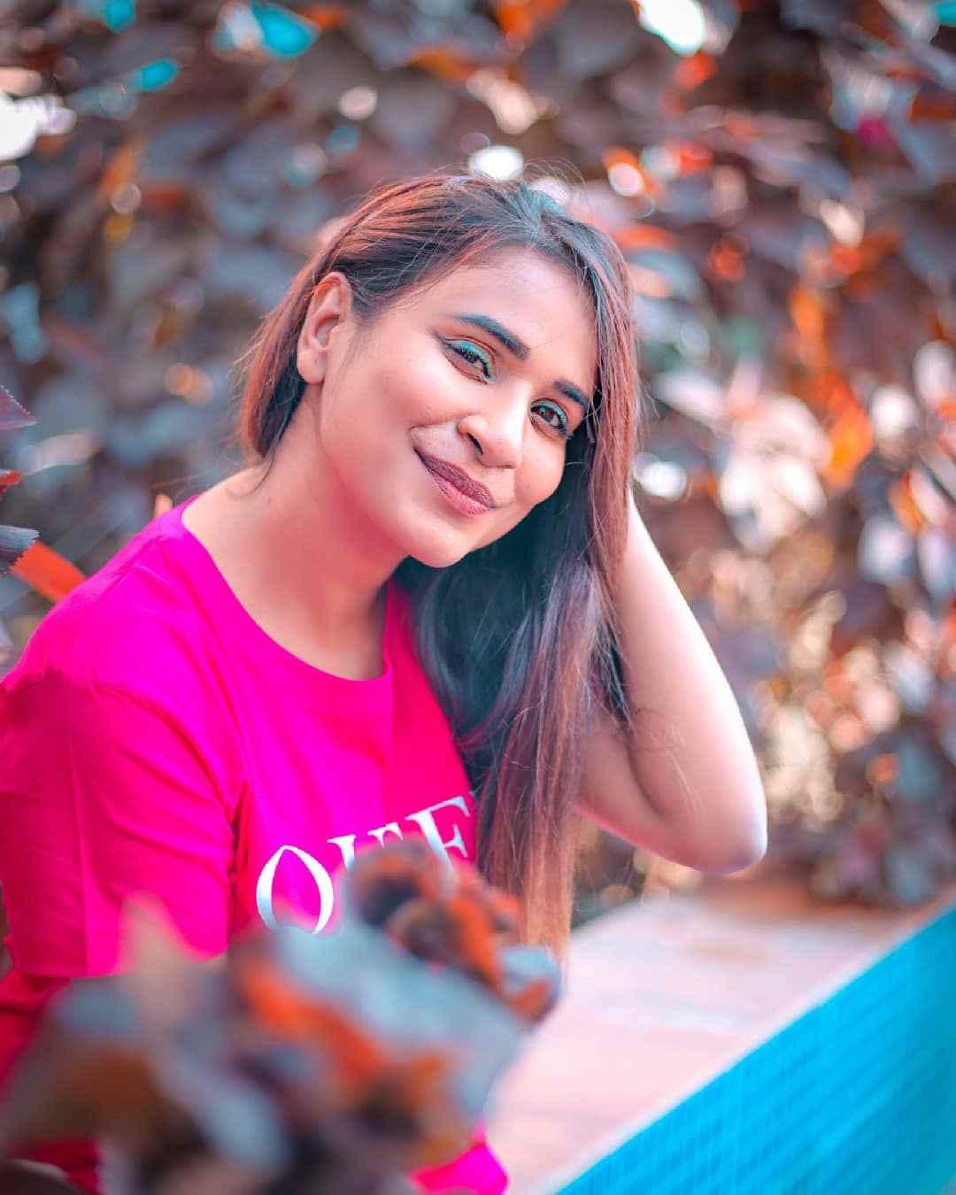 Charmsukh Muskan Aggarwal Instagram Pictures