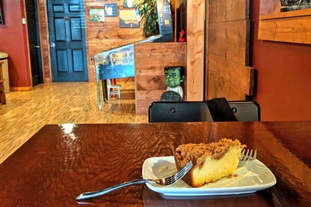 Pittsburgh to Cleveland drive: stop at Stone Fruit Coffee Company in Boardman Ohio for coffee cake