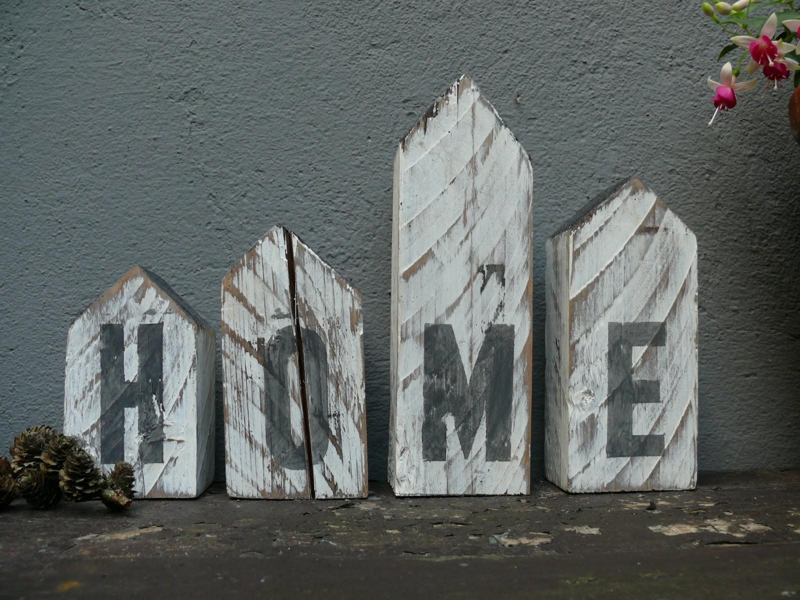 gk kreativ deko holzh uschen aus alten balken im shabby chic style selber machen. Black Bedroom Furniture Sets. Home Design Ideas