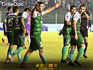 Nicolás Franco celebra uno de sus dos goles anotados en el encuentro entre Oriente Petrolero y Real Potosí - DaleOoo