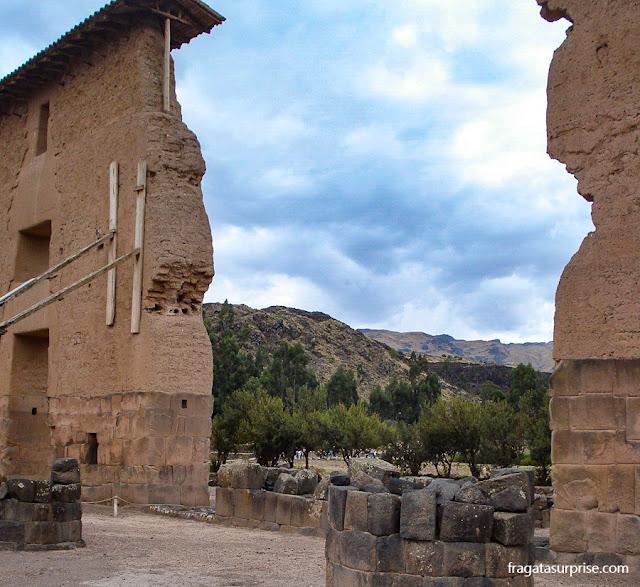Templo de Wiracocha, Raqchi, Peru